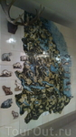 Карта в выставочном зале музея. Украшают карту керамические фигурки зверей и рыб, которые обитают в местных лесах и водоёмах.