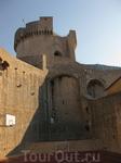 старый город башня Минчета
