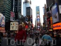Итак, Нью Йорк! Это первый город, который мы посетили. Он безумный... он необычный. У меня было постоянное ощущение, что я нахожусь в кино, конечно же ...