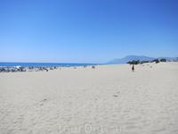 вот такой почти дикий пляж