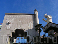 дрессированные слоны на Голливудском бульваре