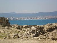 Вид на курорт Несебр со стен Старого Несебра.