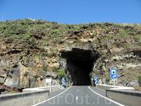 Подобных тоннелей на острове предостаточно