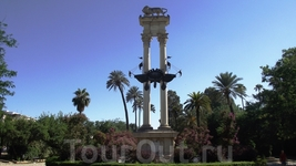 Sevilla - памятник Колумбу
