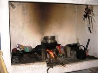 Так до сих пор готовит еду местное население в джунглях.