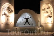 на сцене Снежного Замка LumiLinna