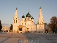 Советская площадь. Церковь Ильи Пророка
