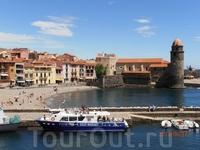 Коллиур- это жемчужина французского побережья. Город, который воспевали многие творцы и художники, которые специально приезжали в эти места искать вдохновения ...
