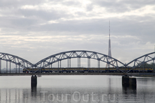 Еще раз о реке Даугаве, мостах и телевидении