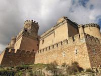 История замка начинается в 1385 году король Хуан I Кастильский (Juan I de Castilla) в битве при Алжубарроте (Aljubarrota) потерпел поражение и был вынужден спасаться бегством, во время которого Педро