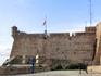 Это удивительно, но смотровые башни крепости мне так напомнили смотровую башню в Сенглее, на Мальте. Видимо, это был такой стиль в архитектуре крепостей ...