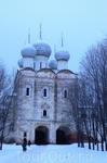 Далее наш путь лежал в Углич, а по пути мы остановились в Борисоглебском и осмотрели Борисоглебский монастырь.
