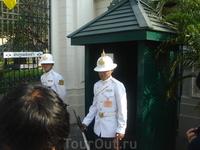 Часовой, Королевский дворец