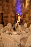 Вторая часть вечера – сам ужин, проходил непосредственно в замке, в покоях, по которым ночью гуляют тени рыцарей.
