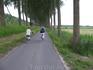 Бельгия. Дорога от Дамме вдоль канала к Брюгге.