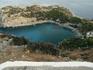 """Пляж Энтони Куина. Здесь в 1964 году снимали многие сцены для фильма """"Грек Зорба"""" с Энтони в главной роли. С тех пор за пляжем прочно закрепилось это название ..."""