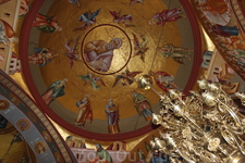 Галилея. Греческая церковь Собора 12 апостолов. Роспись церкви потрясает и очаровывает.
