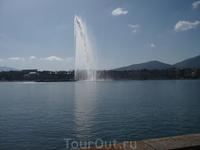 Еще раз Jet d'Eau - гигантский фонтан на Женевском озере в центре Женевы - 500 литров воды в секунду!
