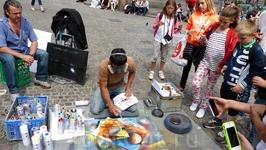 Уличные художники.