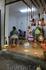 Мастерская по изготовлению абажуров из тыкв. Тыквы сушат очищают от середины и высверливают в них отверстия в которые вставляют разноцветные стеклянные ...