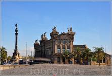 Венчает бульвар Рамбла памятник Колумбу, высота которого составляет порядка 50 метров.