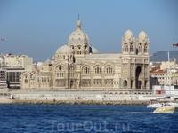 Кафедральный собор Ла Мажор (вид с моря)