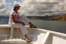 Что может быть прекраснее, чем сидеть на носу корабля и любоваться красотами побережья.