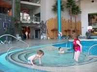 И все таки я не согласная что это прям-таки круто-мега-супер аквапарк....хотя я не ценитель экстрим-горок....не понимаю )))) не прониклась как-то...Может ...
