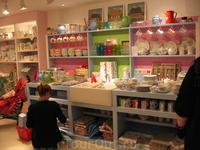 Маленький магазинчик в центре Йорка. Очень по-домашнему уютный. Уходить не хотелось :-))))))