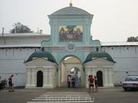 Ипатьевский монастырь. Входные ворота.