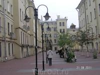 Двор - улица (внутри Итальянской улицы)