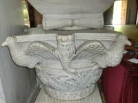 Мраморная капитель базилики