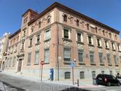 В 1917 году, во время правления короля Альфонсо XIII, правительство приняло решение о строительстве почтовых зданий в тех провинциях Испании, где их еще ...