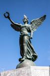Ника. установлена в порту в честь освобождения острова от немцев