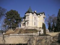 Замок балерины Кшесиньской (а ныне олигарха Брынцалова)