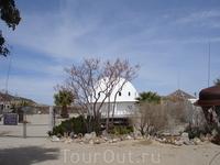 Интегратрон в пустыне Мохаве Северной Америки, в 25 километрах от долины Юкка, штат Калифорния.