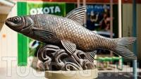 Скульптура Вобла-Кормилица