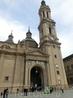 Войти в Базилику можно бесплатно, снимать внутри нельзя. Она огромна, с множеством капелл и огромной очередью из желающих посетить капеллу Святой Пилар ...