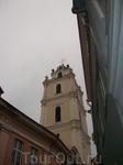 лет шесть назад бывали мы в Праге, так вот...Вильнюсский старый город с узкими улочками чем то похож на Пражские улочки...что то в них есть родственное ...