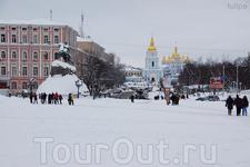 вид на Михайловский собор с Софийской площади