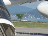 Фотоокно сквозь самолеты