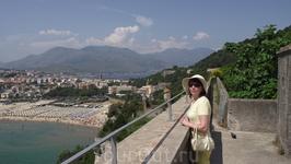 Вид со стороны храма Св Троицы