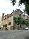 Зато мы зашли в другую церковь - Святого Франциска на Rambla Vieja. Церковь Сан Франциско была построена в 1704-58 гг. в стиле неоклассицизма и в последующие ...