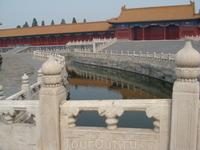 Музей Гугун- Запретный город.Бывшая резиденция императоров. Исскуственный канал.