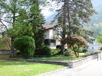 Я так себе примерно и представляла жилища простых лихтенштейнцев - жетелей страны с одним из самых высоких уровней жизни в Европе. При том, что еще 100 ...