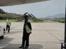 аэропорт Самуи, закрытых зданий нет вообще, только крыша. Есть очень классная детская площадка, мы там сами с удовольствием посидели. Не в пример аэропорту ...