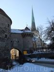 Еще один вход в Старый город - у башни &quotТолстая Маргарита&quot.