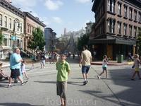 Hollywood Studios - уходящая вдаль улица всего лишь нарисована..
