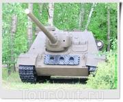 100 мм противотанковая самоходная установка СУ-100 (СССР).