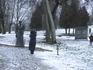 Скульптура Тенишевой встречает каждого посетителя. Стоит возле самого входа в парк.